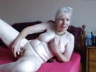 Granny on webcam covid 88...