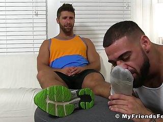 Muscular guy ricky sniffs blaynes sexy feet...