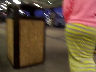 airport drees giggle