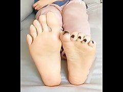 CHEESY, SMELLY, ASIAN SEXY FEET