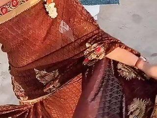 Asian Bbw movie: Slutty desi big round ass in saree