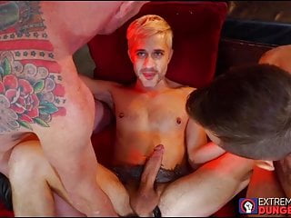 Fetish dudes have a threesome with fisting thrown in the mix