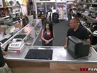 Scopa una ragazza cubana per la sua TV XXX Pawn