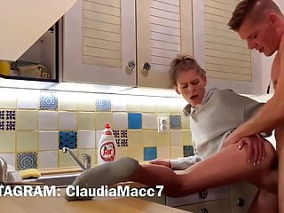 Young girl creampied in the kitchen