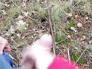 Girlfriend gives handjob on woods local dogging area...