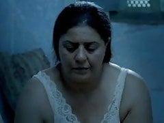 Tunesische moeder die maagdelijke tienerdochter helpt bij het verwijderen van haar...