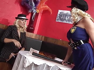 2 Hammer blonde Lesben machen gemeinsame Sache