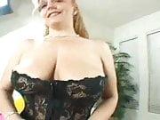 Big Tit Jaz Gives Head