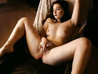 Amazing arabic woman rubs solo1...