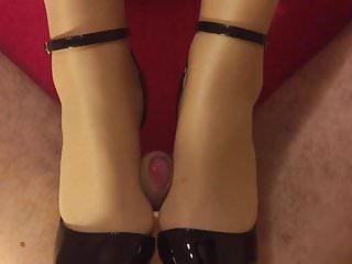 My spouse's pantyhose heeljob
