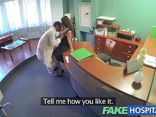 Il controllo sanitario obbligatorio di FakeHospital Medici rende procace