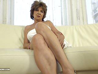 Granny has sex man and enjoys ass drilling...