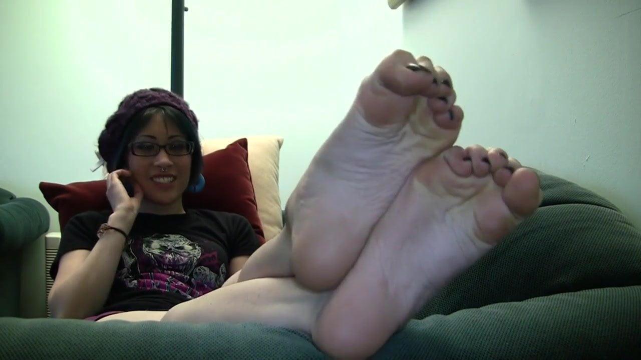 18 Year Old Latina Feet