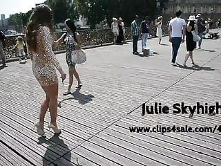 exhibitionist almost nude walking Paris high heels - upskirt