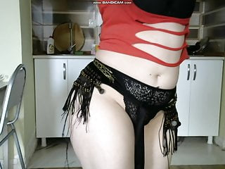Erotic shaking in BellyDance 1