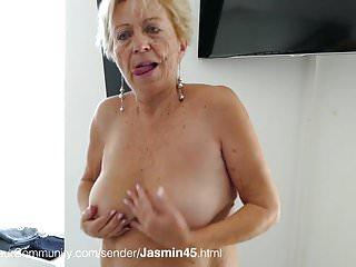Oma titten nackte Beste Nackt