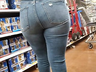 Sexy Latina Ass in Jeans