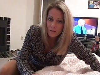 Mommy gives pantyhose d10...