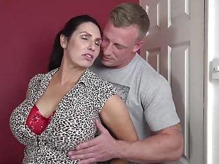 Bottino mamma procace succhiare e scopare figlio fortunato