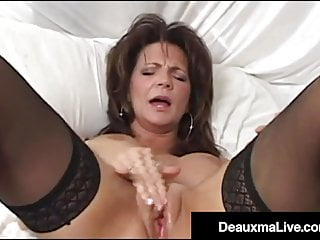 Cunt Bed Wetting On Deauxma Her Shoots Her Cream Bed! Cougar