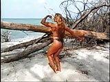 Lindsay Mulinazzi on the beach
