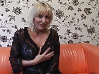 Elegante mamma Jan Burton affamata di cazzo