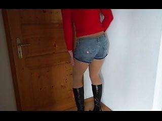 DWT - Trap - TV Nutte - Hotpants - Beine - Boots - Stiefel