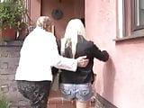 Mutter und Freund der Tochter