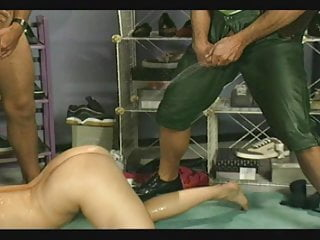 Triefend Nass! (1990's) – Scene 22 – Magma Wet – Pissing