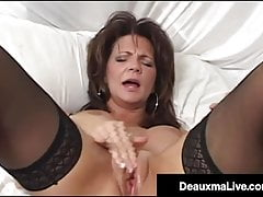 Bed Drenching Milf Deauxma Shoots Her Snatch Juice On Her Bed!