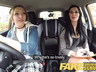 Fake Driving School La ragazza di Daddys non supera il test con MILF