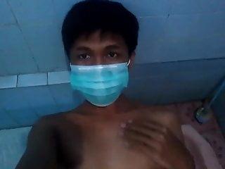CUTE TEEN MASTURBATING IN BATHROOM