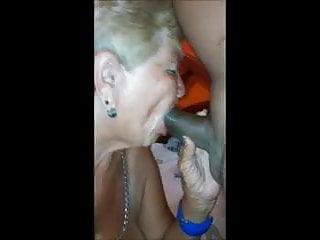 Sucks make oral sex with me...