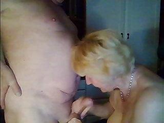 Deutsch couple playing on cam