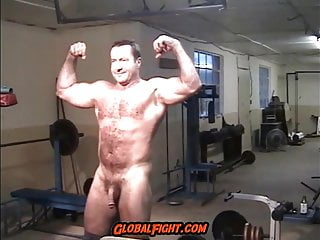 Flexing naked gym muscleman daddy...