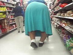 Mega Gigantic Bowleg Granny