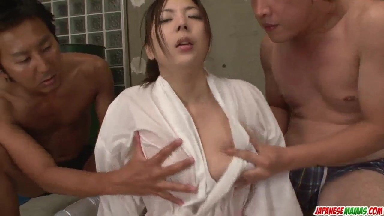 Mirei Yokoyama goes wild in am – More at Japanesemamas.com