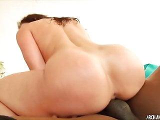 Kendra Lust scopa per primo il sesso interrazziale