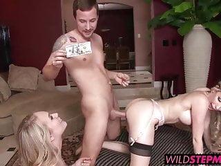 Dakota James entrò nella sua matrigna gola scopando un cazzo