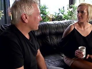 Leni fickt den traurigen bekannten richtig Hard anal