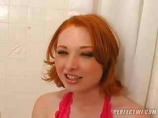 red head loves gagging