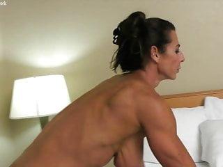 विशाल मल्लू चाची अपने बड़े स्तन दिखाते हुए
