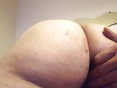 Doggy wife shows her milf pussy and asshole, big ass