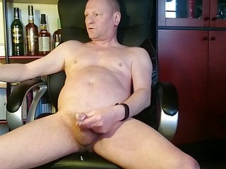 Dirtyoldman100001 live on webcam...