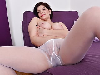 Curvy Milf Nicol Needs To Touch Her Nyloned Pussy