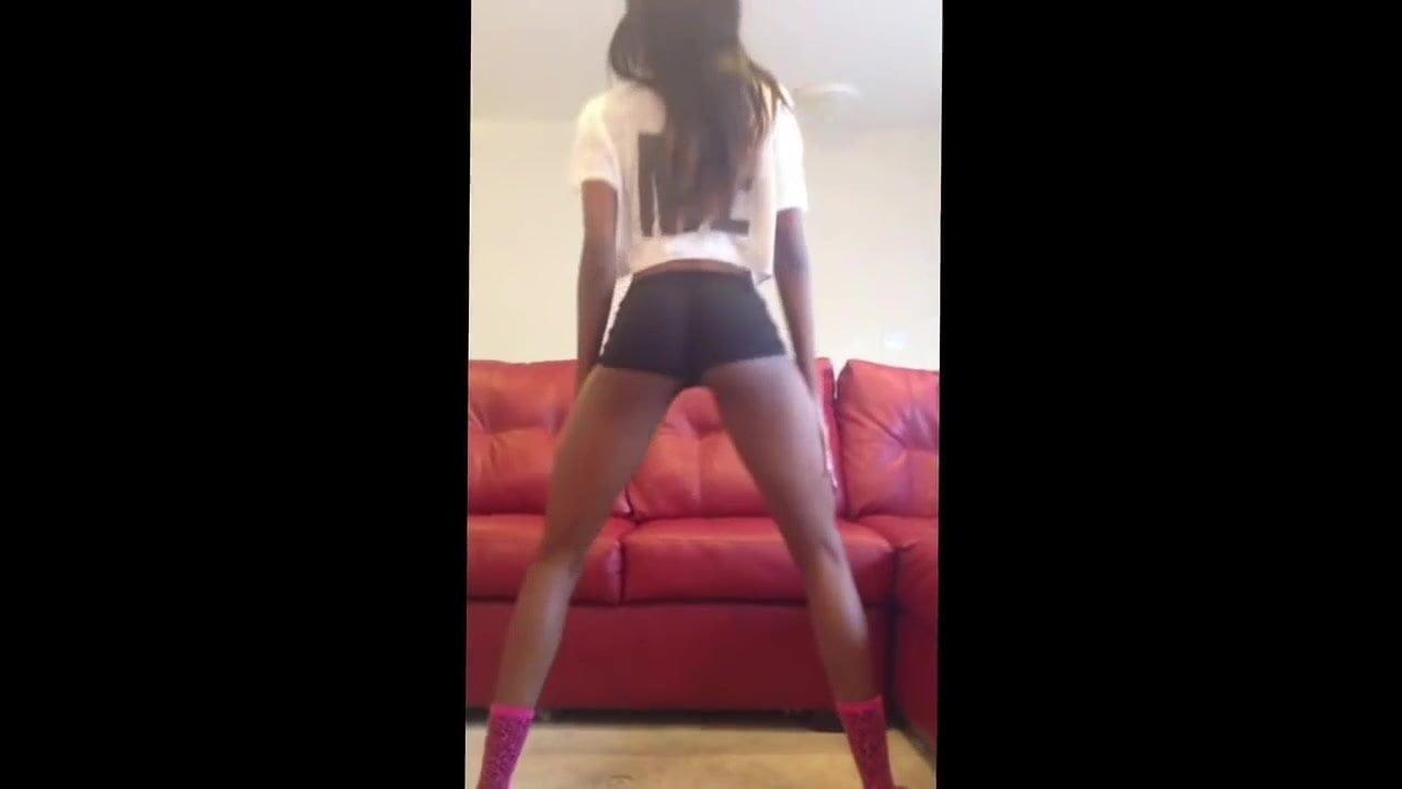 Naked Ebony Girls Twerking