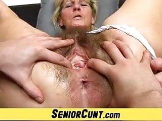 Tlustá babička stříkat
