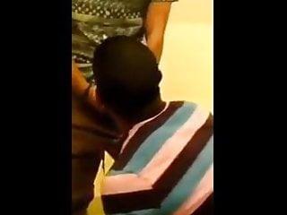 سکس گی Compilation - بچه فاک و مکیدن در توالت و مکان های دیگر در فضای باز گروه نژادی از blowjob جنس سیاه و سفید خروس بزرگ آماتور بی زین
