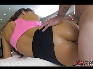 Fitness Babe Enjoying some Anal Sex