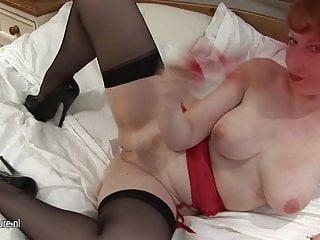 Amateur redhead mom-next-door masturbate